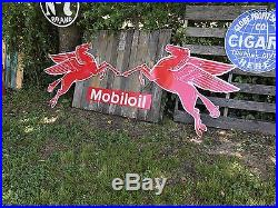 Antique Vintage Old Style Mobil Pegasus Awesome Right Facing + Free Bonus