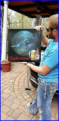 Vintage Budweiser Beer Brewery Bass Fish Box Light Sign Non Motion wildlife